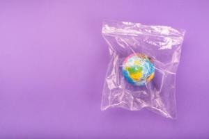 В Германии запретят использование пластиковых пакетов в торговле